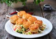Przepis na Pieczone kulki mięsne z indyka z kuskusem i warzywami