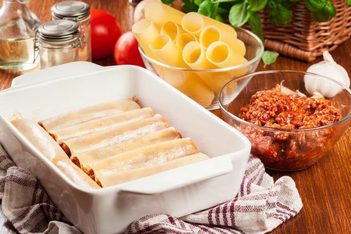 Przepis na Cannelloni z sosem bolońskim