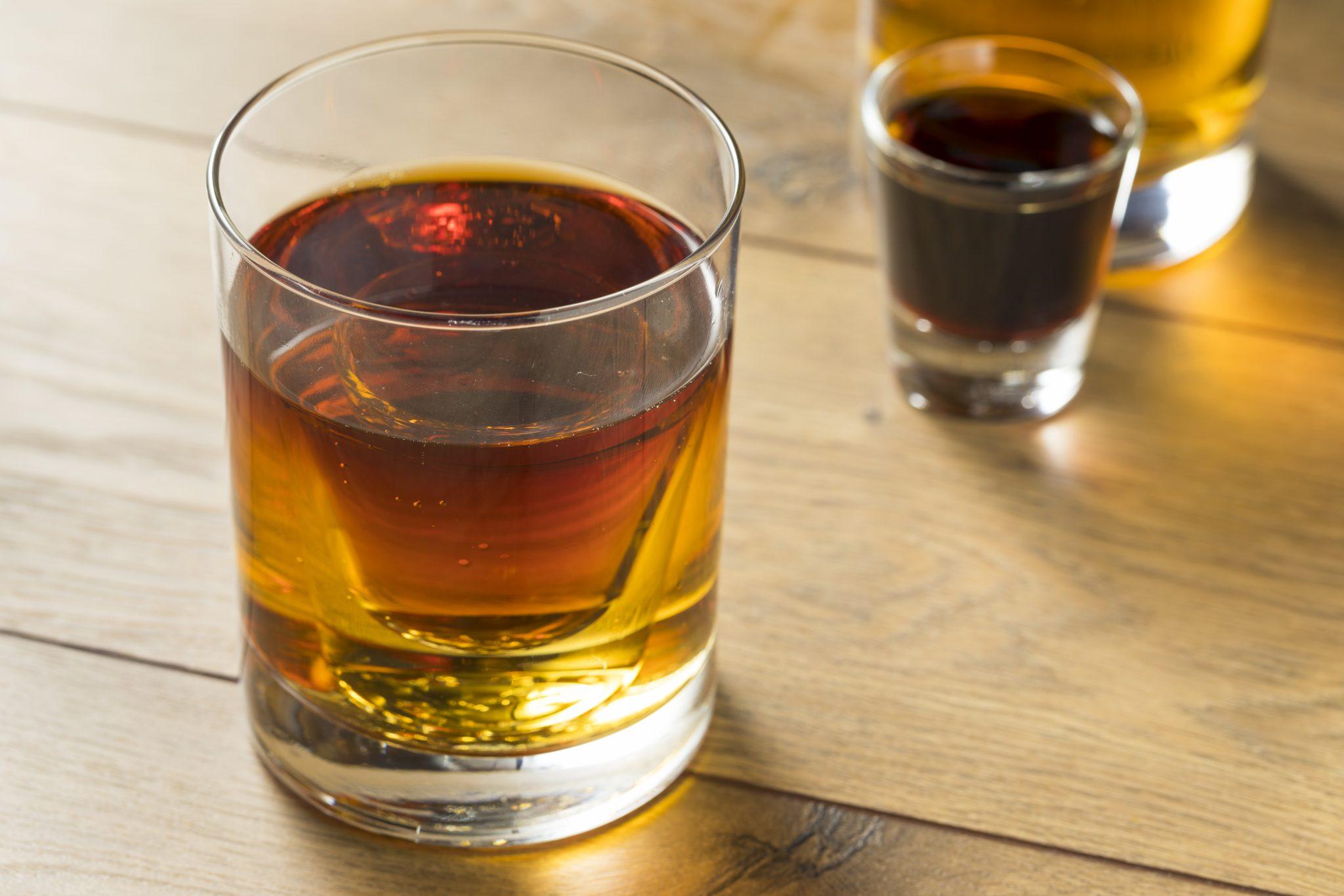 Jagerbomb Przepisy Na Drinki I Shoty Foodmagazine Pl