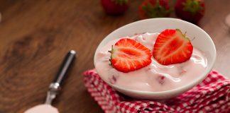 Jogurt truskawkowy