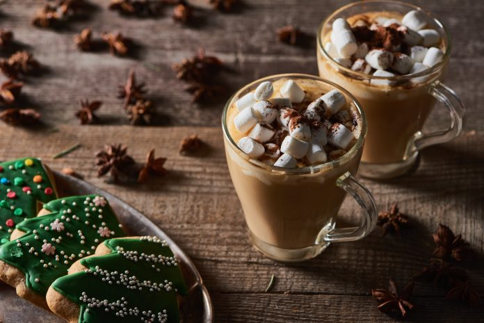 Gorąca czekolada z anyżem i piankami Marshmallow
