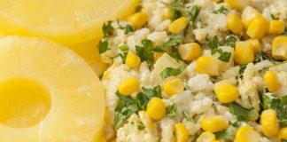 Sałatka z ryżem ananasem i tuńczykiem
