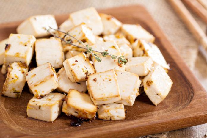 Pieczone tofu z przyprawami